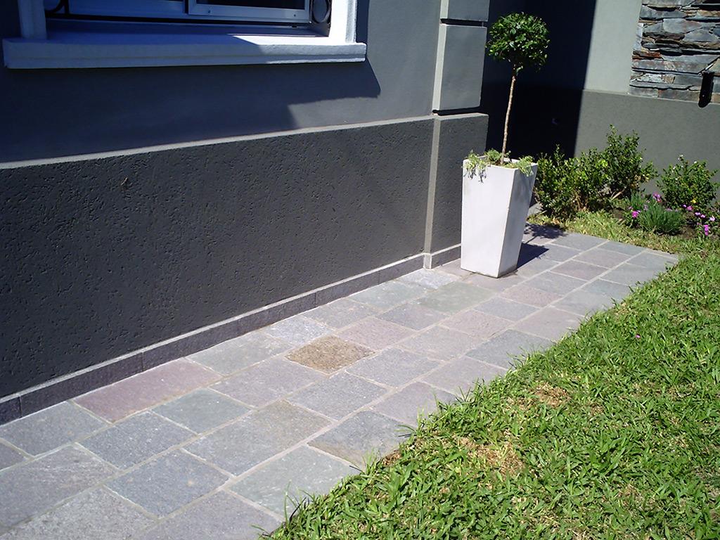 Pisan piedras naturales venta de piedras para for Precios de pisos para exteriores